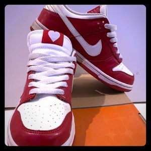 Nike Dunk Low. Valentine's Day. RARE.